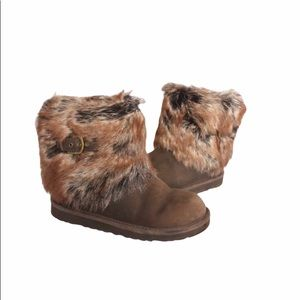 Ugg ankle fur boots brown and a buckle girls Sz 4